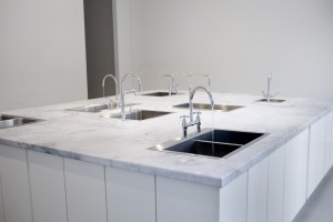 Maayan Straus, Seven Sinks, courtesy of Andrea Muslin Gallery
